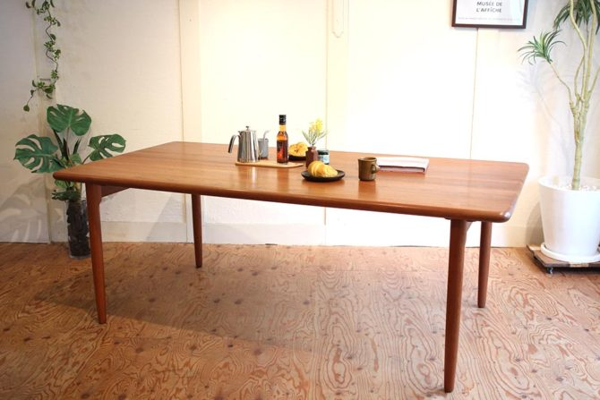 J.L.モラー/J.L. Moller|24B ダイニングテーブル チーク無垢材 ヴィンテージ 北欧デンマーク