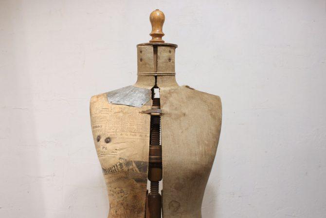 アンティークのトルソ木製×アイアン