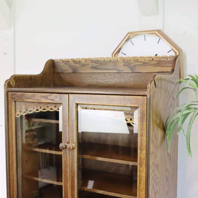 パリの雑貨屋 食器棚